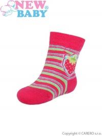 Dojčenské ponožky New Baby s ABS červené s prúžkami a jahôdkou NEW BABY