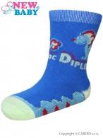 Dojčenské bavlnené ponožky New Baby modré s dinosaurusom NEW BABY
